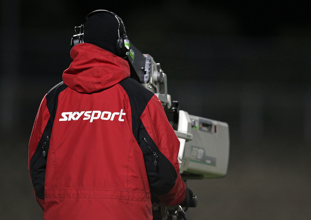 A Skysport television cameraman covers the North Harbour and Tasman match in the ITM Cup, North Harbour Stadium, Auckland, New Zealand, Tuesday, July 19, 2011.  Credit:SNPA/David Rowland