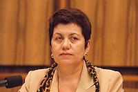 """22.10.1998, Germany/Bonn:<br /> Margret Mönig-Raane, Vorsitzende Gewerkschaft Handel, Banken und Versicherungen, Pressekonferenz """"Forderungen an die neue Regierung"""", Bundes-Pressekonferenz<br /> IMAGE: 19981022-01/01-17"""