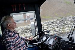 05-07-2014 NED: Iceland Diabetes Challenge dag 1, Landmannalaugar <br /> Vandaag ging de challenge van start. Met een bus gingen we van Vogar naar Landmannalaugar en zagen we de eerste tekenen van het prachtige landschap van IJsland