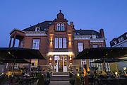 Restaurant Allee52, Dämmerung, Brunnenallee, Kurviertel, Bad Wildungen, Nordhessen, Hessen, Deutschland | restaurant Allee52 at dusk, spa quarter, Bad Wildungen, Hesse, Germany