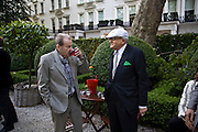 LUCIAN FREUD AND DAVID HOCKNEY, Tatler Summer Party. The Hempel. Craven Hill Gdns. London. 25 June 2008 *** Local Caption *** -DO NOT ARCHIVE-© Copyright Photograph by Dafydd Jones. 248 Clapham Rd. London SW9 0PZ. Tel 0207 820 0771. www.dafjones.com.