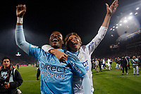 FOOTBALL - FRENCH CHAMPIONSHIP 2009/2010 - L1 - OLYMPIQUE MARSEILLE v STADE RENNAIS - 5/05/2010 - PHOTO PHILIPPE LAURENSON / DPPI - CELEBRATION GABRIEL HEINZE AND STEVE MANDANDA (OM) AFTER WINNING THE FRENCH'S LIGUE 1 CHAMPIONSHIP