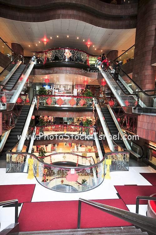 Asia, Southeast, People's Republic of China, Hong Kong. shopping mall
