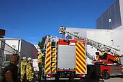 Mannheim. 12.06.17 | Freiwillige Feuerwehr übt <br /> Neckarau. Freiwillige Feuerwehr übt Rettungseinsatz in verwinkelten Gebäuden. Dazu hat das Lager Prime Selfstorage das Gebäude zur Verfügung gestellt. Übung der Freiwilligen Feierwehr <br /> <br /> <br /> BILD- ID 1067 |<br /> Bild: Markus Prosswitz 12JUN17 / masterpress (Bild ist honorarpflichtig - No Model Release!)