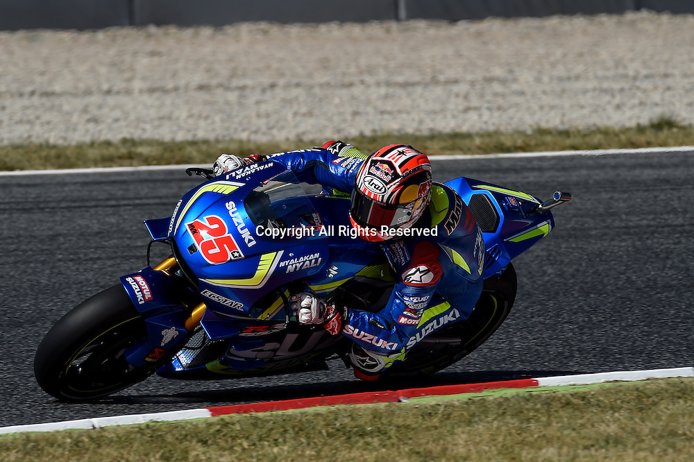 03.06.2016. Circuit de Barcelona, Barcelona,Spain. Grand Prix Monster Energy de Catalunya.Practice day.  Maverick Vinales (Suzuky Ecstar)during the free practice sessions.