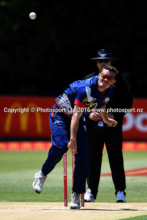 Auckland Aces skipper Rob Nicol into his delivery stride during the McDonald's Super Smash, Auckland Aces vs Wellington Firebirds, Eden Park No.2, Auckland, Saturday 24th December 2016. Copyright Photo: Raghavan Venugopal / www.photosport.nz