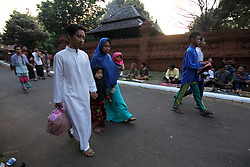 June 25, 2017 - Cirebon, East Java, Indonesia - Citizens of Cirebon entered Kasepuhan Palace area to carry out Eid prayers in Langgar Agung. (Credit Image: © Kuncoro Widyo Rumpoko/Pacific Press via ZUMA Wire)