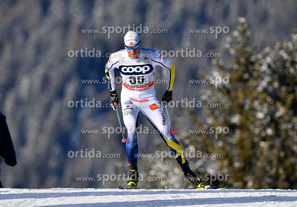 16.12.2017, Nordic Arena, Toblach, ITA, FIS Weltcup Langlauf, Toblach, Herren, 15 km, im Bild Daniel Richardsson (SWE) // Daniel Richardsson of Sweden during men's 15 km of the FIS Cross Country World Cup at the Nordic Arena in Toblach, Italy on 2017/12/16. EXPA Pictures &copy; 2017, PhotoCredit: EXPA/ Nisse Schmidt<br /> <br /> *****ATTENTION - OUT of SWE*****