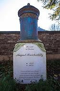 Europa, Deutschland, Koeln, lustige Grabinschrift eines alten Grabes auf dem Melatenfriedhof.<br /><br />Europe, Germany, Cologne, funny epitaph of an old grave at the Melaten cemetery.