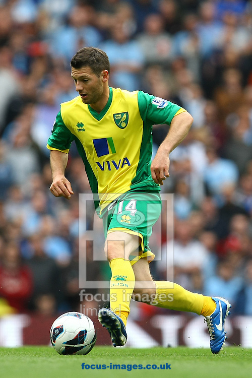 Picture by Paul Chesterton/Focus Images Ltd +44 7904 640267.Wes Hoolahan of Norwich in action during the Barclays Premier League match at The Etihad Stadium, Manchester.