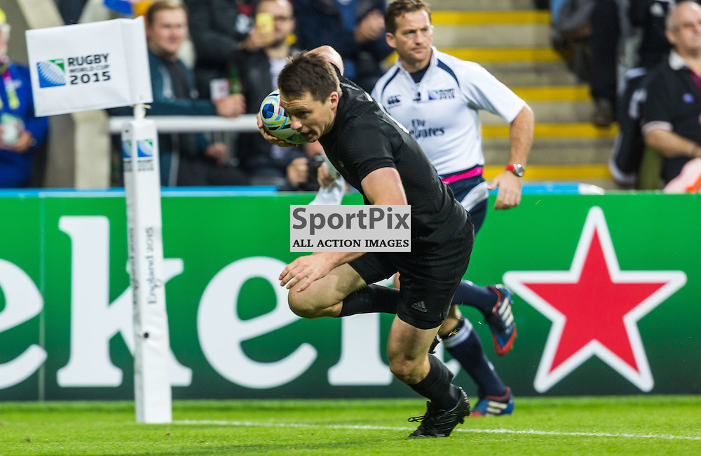 Ben Smith scores during the Rugby World Cup match between New Zealand and Tonga (c) ROSS EAGLESHAM | Sportpix.co.uk