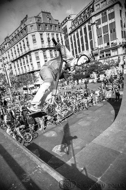 Zot Day 2016 - Dimanche sans voiture à Bruxelles. Boris ' Magic Trotinette '
