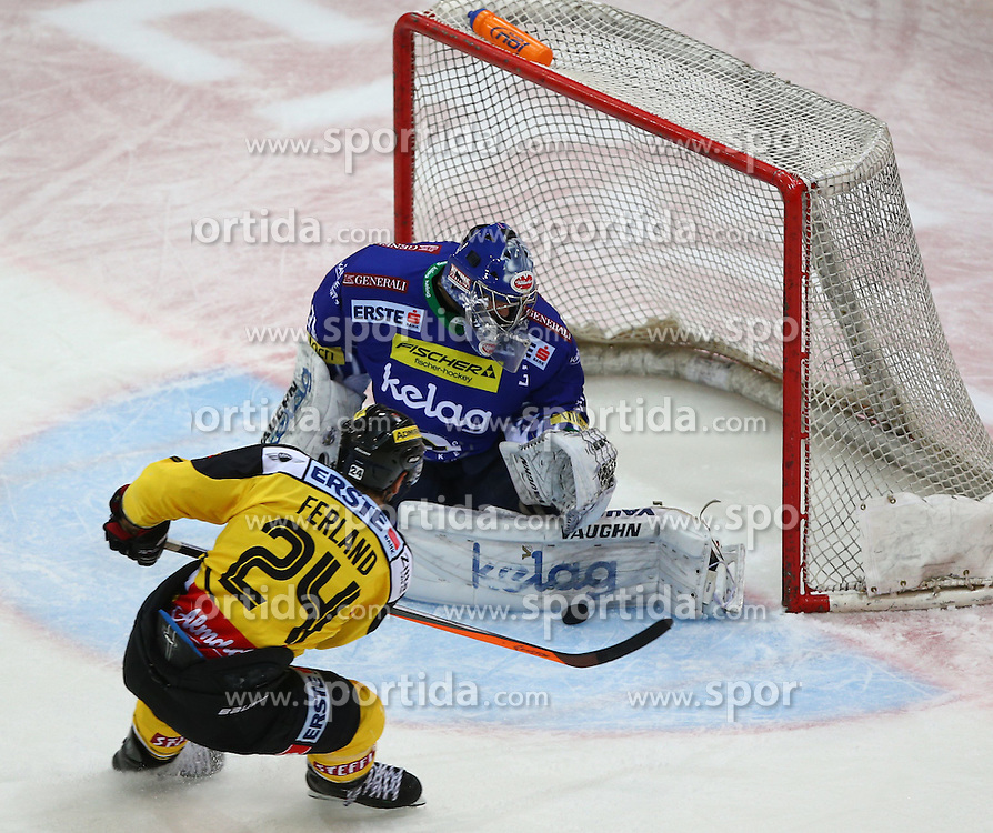 06.01.2015, Albert Schultz Eishalle, Wien, AUT, EBEL, UPC Vienna Capitals vs EC VSV, 36. Runde, im Bild Jonathan Ferland (UPC Vienna Capitals) und Thomas Hoeneckl (EC VSV) // during the Erste Bank Icehockey League 36th Round match between UPC Vienna Capitals and EC VSV at the Albert Schultz Ice Arena, Vienna, Austria on 2015/01/06. EXPA Pictures © 2015, PhotoCredit: EXPA/ Thomas Haumer