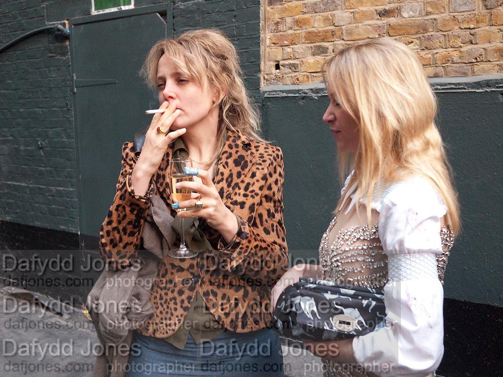 BAY GARNETT; NATALIE PRESS, BROWN'S 40TH ANNIVERSARY DINner. Regent Loft and Penthouses. Marshall St. London. 13 May 2010. -DO NOT ARCHIVE-© Copyright Photograph by Dafydd Jones. 248 Clapham Rd. London SW9 0PZ. Tel 0207 820 0771. www.dafjones.com.