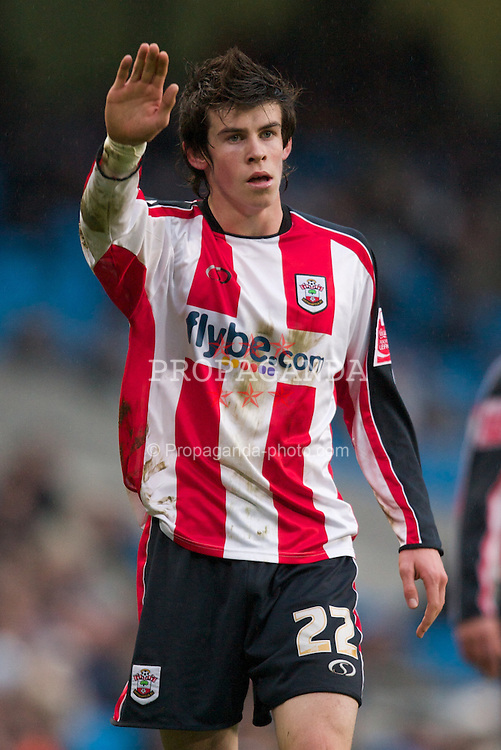 Manchester, England - Sunday, January 28, 2007: Southampton's Gareth Bale in action against Manchester City during the FA Cup 5th Round match at the City of Manchester Stadium. (Pic by David Rawcliffe/Propaganda)