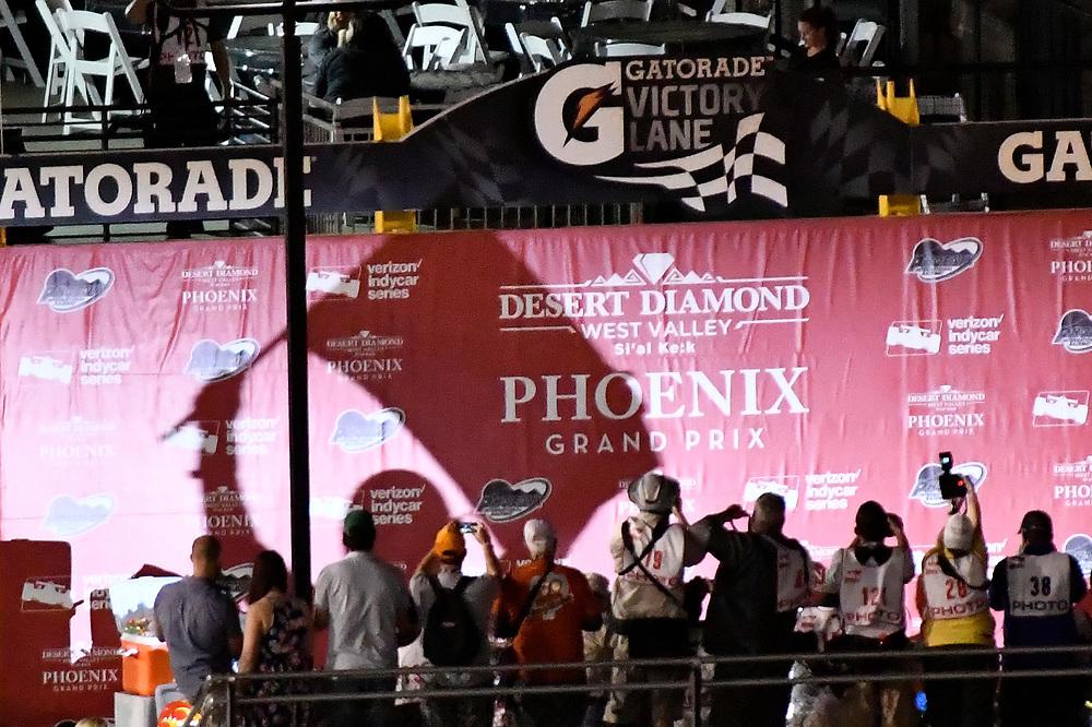 Verizon IndyCar Series<br /> Desert Diamond West Valley Phoenix Grand Prix<br /> Phoenix Raceway, Avondale, AZ USA<br /> Saturday 29 April 2017<br /> Simon Pagenaud, Team Penske Chevrolet celebrates the win in victory lane <br /> World Copyright: Scott R LePage<br /> LAT Images<br /> ref: Digital Image lepage-170429-phx-4878