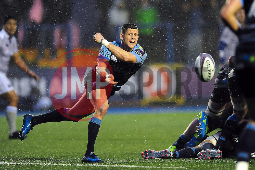 Lloyd Williams of Cardiff Blues passes the ball - Mandatory byline: Patrick Khachfe/JMP - 07966 386802 - 10/12/2016 - RUGBY UNION - Cardiff Arms Park - Cardiff, Wales - Cardiff Blues v Bath Rugby - European Rugby Challenge Cup.