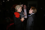 COUNTESS DE MICHELIS DI SLONGHELLO ALESSANDRA AND COUNTESS ISABELLA DE MICHELIS. private view of The Alberto Bruni Tedeschi Collection -  Sotheby's,19 March 2007.  -DO NOT ARCHIVE-© Copyright Photograph by Dafydd Jones. 248 Clapham Rd. London SW9 0PZ. Tel 0207 820 0771. www.dafjones.com.
