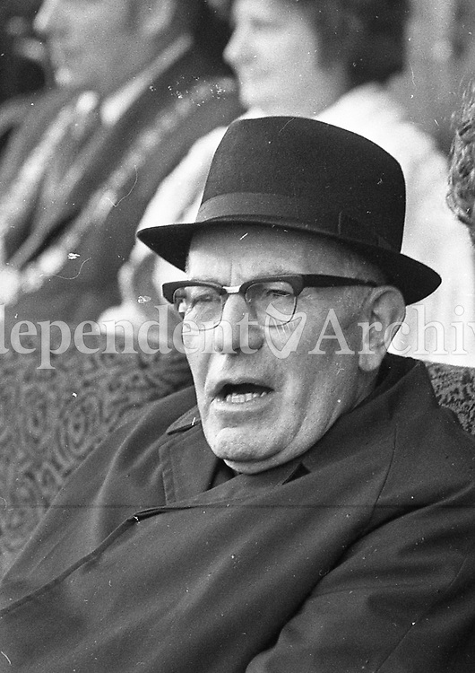 Dr Morris, possibly at sporting match. (Part of the Independent Newspapers Ireland/NLI Collection)