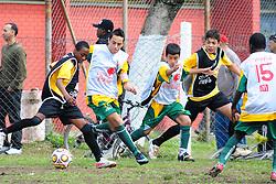 Lance da partida entre Social Futebol Clube e Candido Menezes válida pela copa Coca-Cola, no Estadio Candido de Menezes, neste sabado 27/08/2011, em Porto Alegre. FOTO: Marcelo Campos/Preview.com