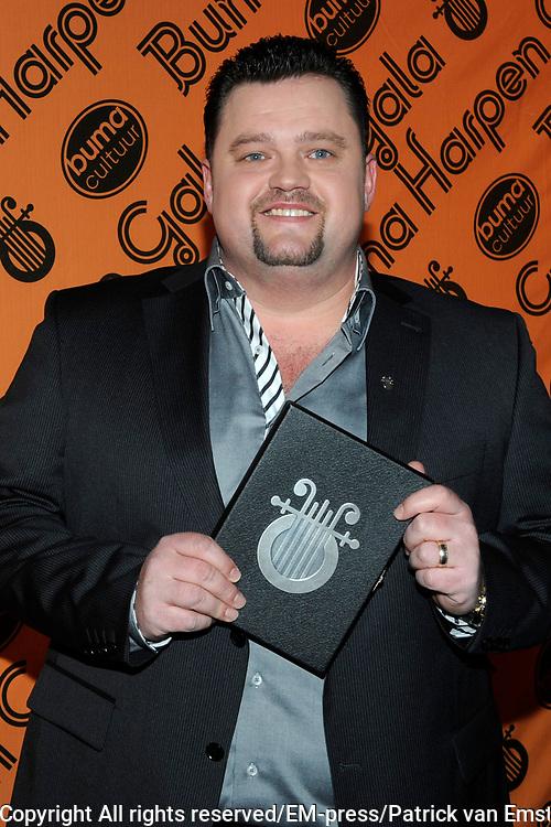 Buma Harpen Gala 2011 AWARDS vanuit de Vredenburg Leidsche Rijn , Utrecht.<br /> <br /> Op de foto:  Buma Zilveren Harp voor Frans Duijts