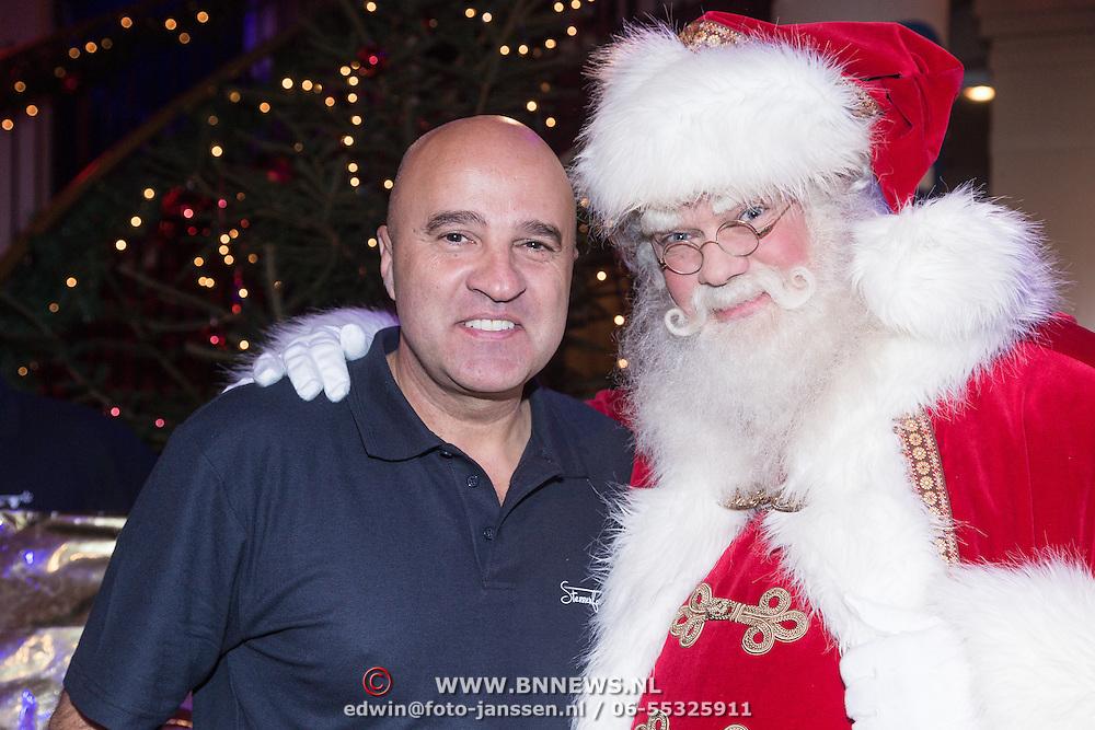 NLD/Hilversum /20131210 - Sky Radio Christmas Tree For Charity 2013, John van den Heuvel en de kerstman