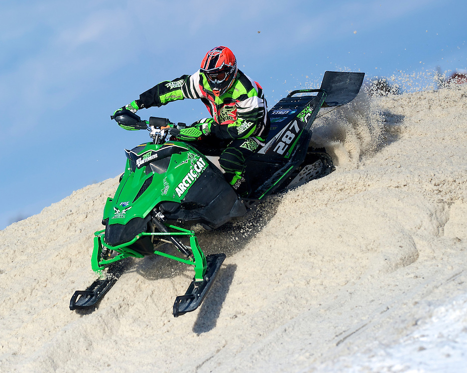 Royal Distributing Cup Snowcross Event