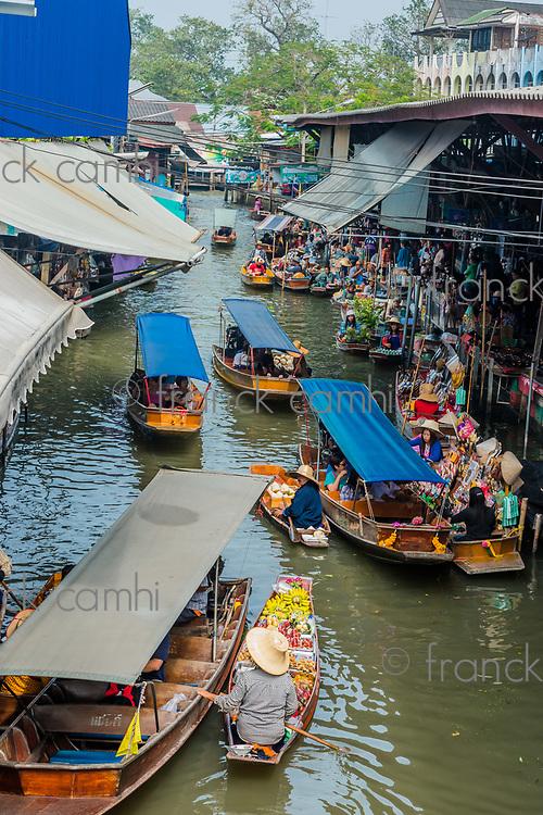 Bangkok, Thailand - December 30, 2013: sailing boats at Amphawa Bangkok floating market at Bangkok, Thailand on december 30th, 2013