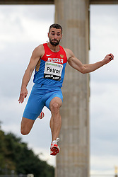 "05.09.2015, Brandenburger Tor, Berlin, GER, Leichtathletik Meeting, Berlin fliegt, im Bild Aleksandr Petrov (RUS) // during the Athletics Meeting ""Berlin flies"" at the Brandenburger Tor in Berlin, Germany on 2015/09/05. EXPA Pictures © 2015, PhotoCredit: EXPA/ Eibner-Pressefoto/ Fusswinkel<br /> <br /> *****ATTENTION - OUT of GER*****"