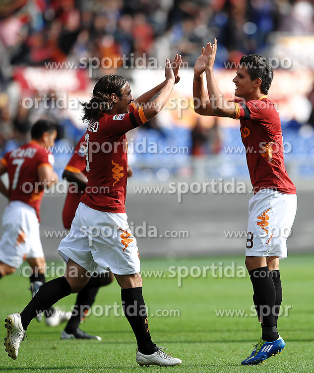 23.10.2011, Stadio  Olimpico, Rom, ITA, Serie A, AS Rom vs US Palermo, im Bild Esultanza di ERic LAMELA (R) dopo il gol con Pablo Daniel OSVALDO Roma.Goal celebration.Roma 23/10/201 // during italian serie A football match between AS Rom and US Palermo at Olympia Stadium, Rom, Italy on 23/10/2011. EXPA Pictures © 2011, PhotoCredit: EXPA/ InsideFoto/ Andrea Staccioli +++++ ATTENTION - FOR AUSTRIA/(AUT), SLOVENIA/(SLO), SERBIA/(SRB), CROATIA/(CRO), SWISS/(SUI) and SWEDEN/(SWE) CLIENT ONLY +++++