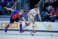 ROTTERDAM  - NK Zaalhockey . finale heren: SCHC-Amsterdam (2-2, SCHC wint shoot-outs) . Boris Burkhardt (Adam) met Leon van Barneveld (SCHC) .  COPYRIGHT KOEN SUYK