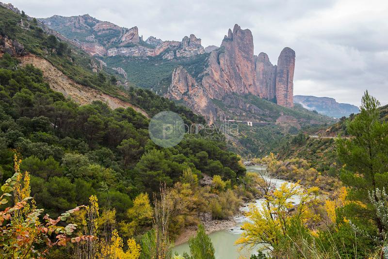 Río Gállego y Los Mallos de Riglos. Riglos. Huesca. ©ANTONIO REAL HURTADO / PILAR REVILLA