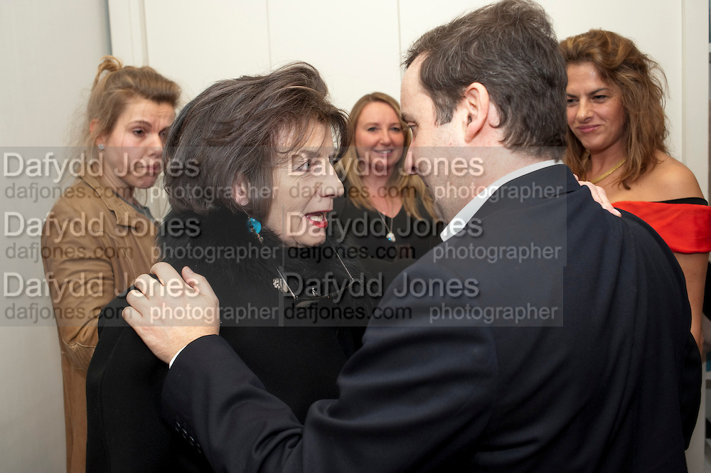 PORTIA KENNAWAY; SANDRA ESQUILANT; LISA COPPERTHWAITE; GREGOR MUIR; ; TRACEY EMIN, Do Not Abandon Me - private view od wok by Tracey Emin alongside that of Louise Bourgeois. <br /> Hauser & Wirth London, 15 Old Bond Street, London, 17 February 2011. -DO NOT ARCHIVE-© Copyright Photograph by Dafydd Jones. 248 Clapham Rd. London SW9 0PZ. Tel 0207 820 0771. www.dafjones.com.