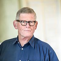 Malermester Flemming Bülow har stået for renovering af Fest salen på Randers Statsskole