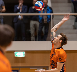 14-04-2019 NED: Achterhoek Orion - Draisma Dynamo, Doetinchem<br /> Orion win the fourth set and play the final round against Lycurgus. Dynamo won 2-3 / Joris Marcelis #4 of Orion