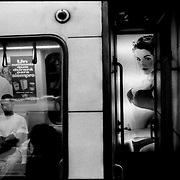 CARA-cas.Photography by Aaron Sosa.Metro de Caracas.Caracas - Venezuela 1999.(Copyright © Aaron Sosa)