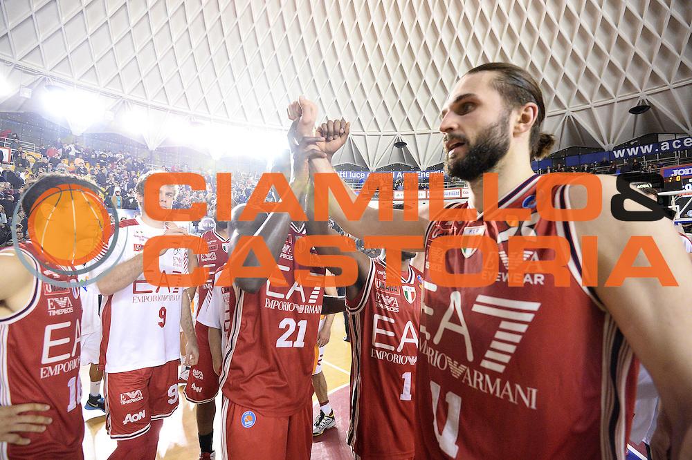 DESCRIZIONE : Roma Lega A 2014-15 Acea Virtus Roma Emporio Armani Milano<br /> GIOCATORE : team olimpia milano<br /> CATEGORIA : mani<br /> SQUADRA : Acea Virtus Roma Emporio Armani Milano<br /> EVENTO : Campionato Lega Serie A 2014-2015<br /> GARA : Acea Virtus Roma Varese<br /> DATA : 21.12.2014<br /> SPORT : Pallacanestro <br /> AUTORE : Agenzia Ciamillo-Castoria/M.Greco<br /> Galleria : Lega Basket A 2014-2015 <br /> Fotonotizia : Roma Lega A 2014-15 Acea Virtus Roma Emporio Armani Milano