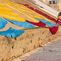 Clothes drying in the walls of the ghats