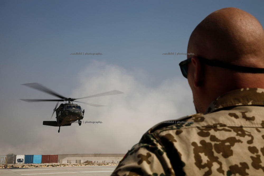 A US Black Hawk Helicopter is going to touch down at the german PRT Kunduz Camp in Afghanistan