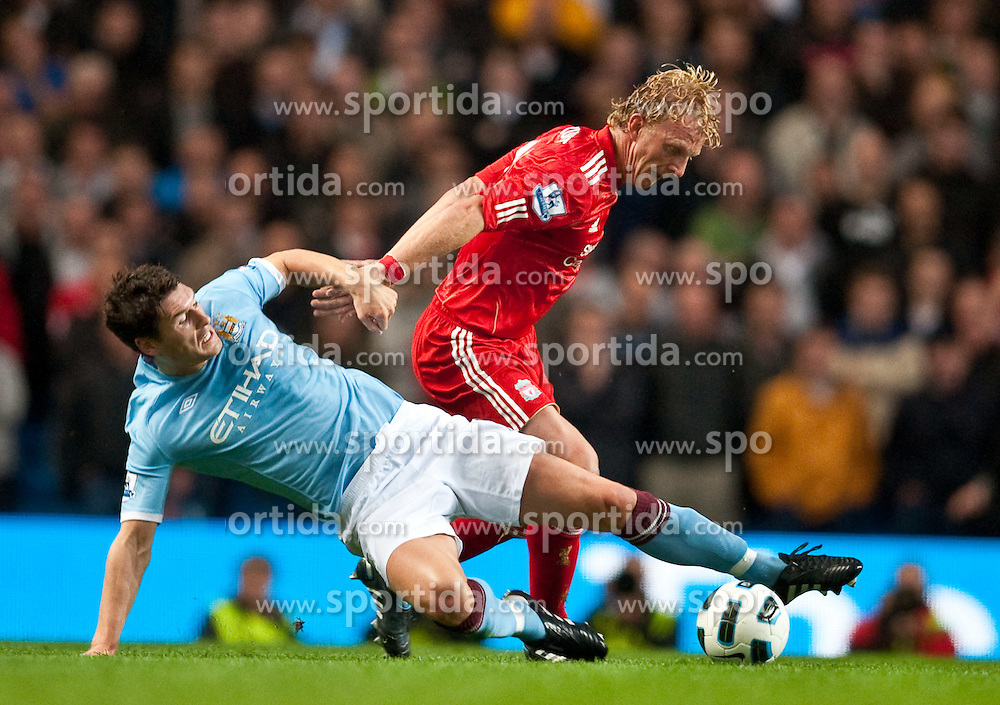23.08.2010, City of Manchester Stadium, Manchester, ENG, PL, Manchester City vs Liverpool FC, im Bild Liverpool's Dirk Kuyt and Manchester City's Gareth Barry, EXPA Pictures © 2010, PhotoCredit: EXPA/ Propaganda/ D. Rawcliffe *** ATTENTION *** UK OUT! / SPORTIDA PHOTO AGENCY