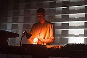 P.TRAFFORD, NOCTURNE 4 :: HIT THE (UNDER)GROUND RUNNING <br /> Musée d'art contemporain - Salle principale<br /> samedi 30 mai,<br /> Les oiseaux de nuits investissent les espaces sanctifiés du MAC pour s'imprégner de techno frénétique et de house vaporeuse. Nouvelle garde créative venue de Chicago, de New York et de certains collectifs de Montréal vénérés pour leur raves, ces très demandés producteurs DIY administreront une bonne dose d'authentique techno transcendante et d'intimes rapprochements rythmiques.