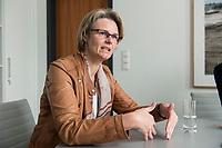 12 APR 2019, BERLIN/GERMANY:<br /> Anja Karliczek, CDU, Bundesministerin fuer Forschung und Bildung, waehrend einem Interview, in ihrem Buero, Bundesministerium fuer Forschung un Bildung<br /> IMAGE: 20190412-01-008<br /> KEYWORDS: B&uuml;ro