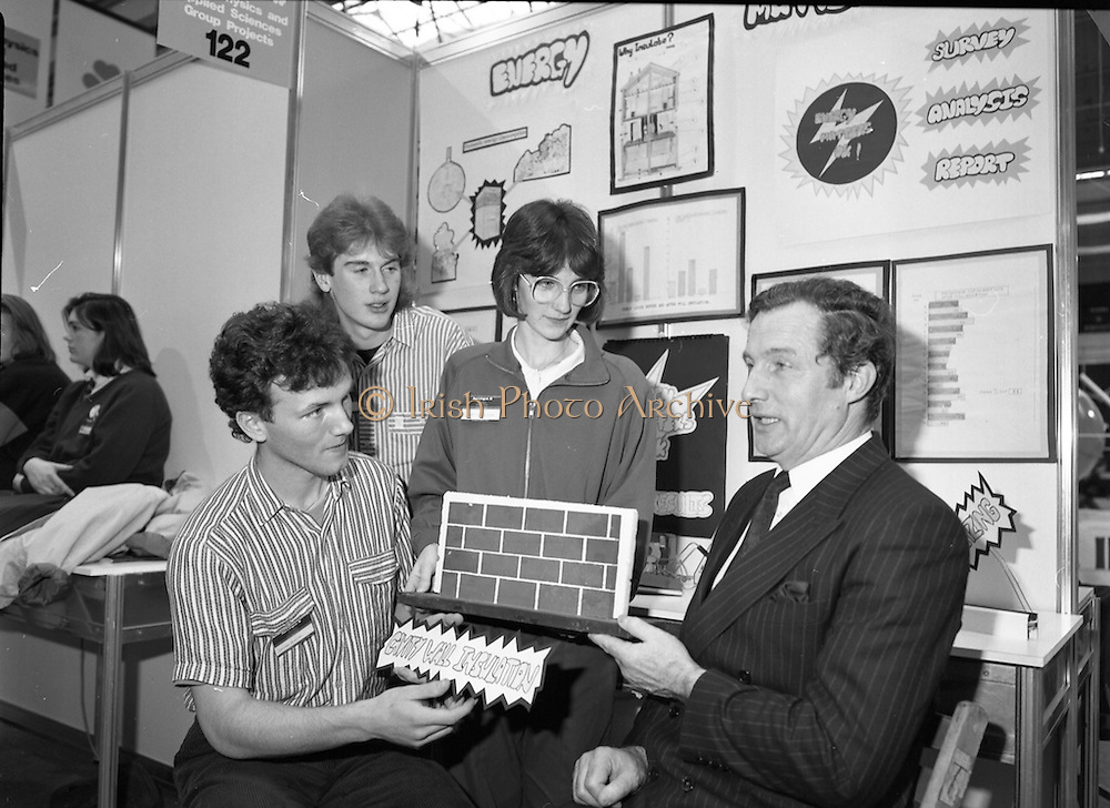 05/01/1989.01/05/1989.5th January 1989.The Aer Lingus Young Scientist of the Year Award at the RDS, Dublin ..Picture shows Michael Smith, T.D., Minister for Energy with three pupils (unkown) and their group project entitled 'Energy Matters.'