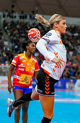 15-12-2019 JAP: Final Netherlands - Spain, Kumamoto<br /> The Netherlands beat Spain in the final and take historic gold in Park Dome at 24th IHF Women's Handball World Championship / Angela Malestein #26 of Netherlands