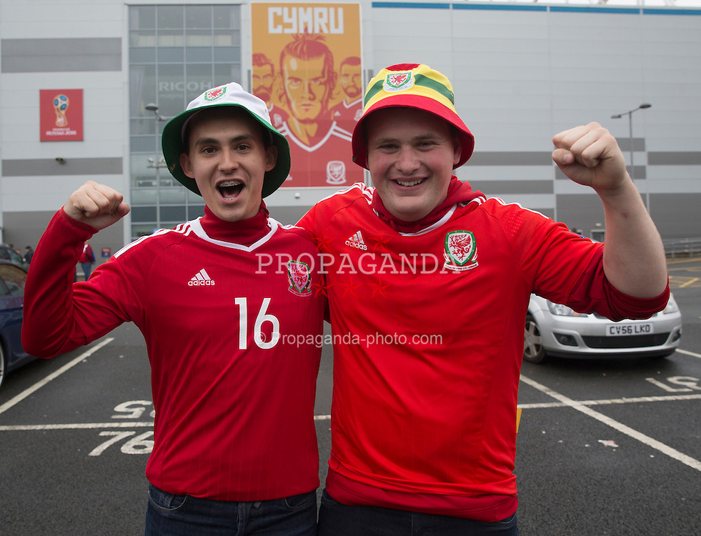 CARDIFF, WALES - Monday, September 5, 2016: General view of fans before the Wales match against Moldova during the 2018 FIFA World Cup Qualifying Group D match at the Cardiff City Stadium. (Pic by Paul Currie/Propaganda)
