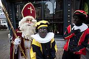 Sinterklaas en Zwarte Piet in de binnenstad van Utrecht.<br /> <br /> Sinterklaas and Zwarte Piet in Utrecht.
