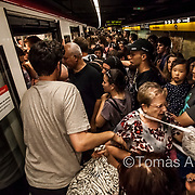 In the quarters with the most tourist pressure public transport often collapses, creating ideal working conditions for pickpockets of different nationalities.