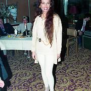 NLD/Amsterdam/19940422 - Feestje verjaardag Paul Wilking op Schiphol, Samantha Bennink
