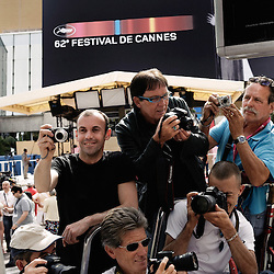 Each year, a number of amateur photographers are securing their ladders in front of the Red Carpet, waiting of the opening of the Cannes Film Festival 2009. 12 May 2009. Photo: Antoine Doyen