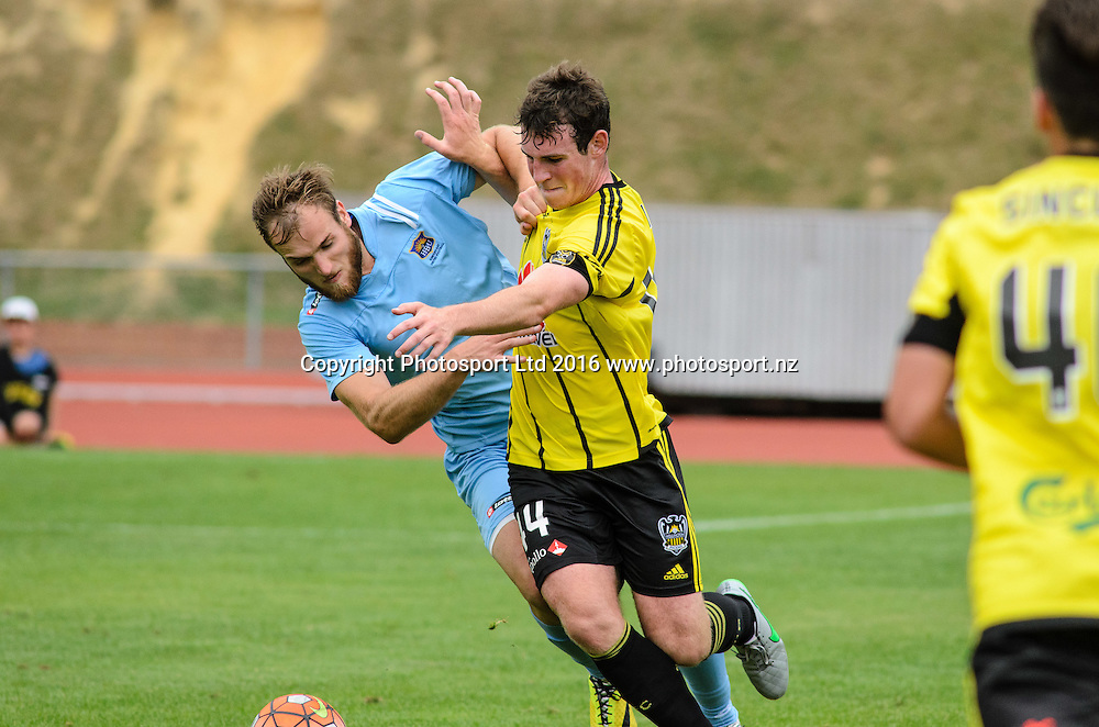 Hamish Watson and Louis Evans battle for the ball during ASB premiership Wellington Phoenix vs. Hawke's Bay United match at Newtown Park, Wellington, New Zealand. Saturday 6th February  2016. Copyright Photo: Elias Rodriguez / www.Photosport.nz